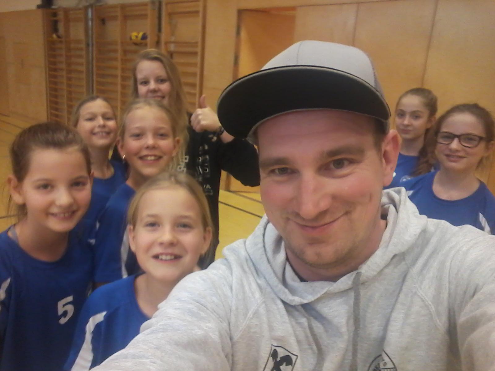 Erste Runde für U12 Mädels mit Erfolgserlebnis!
